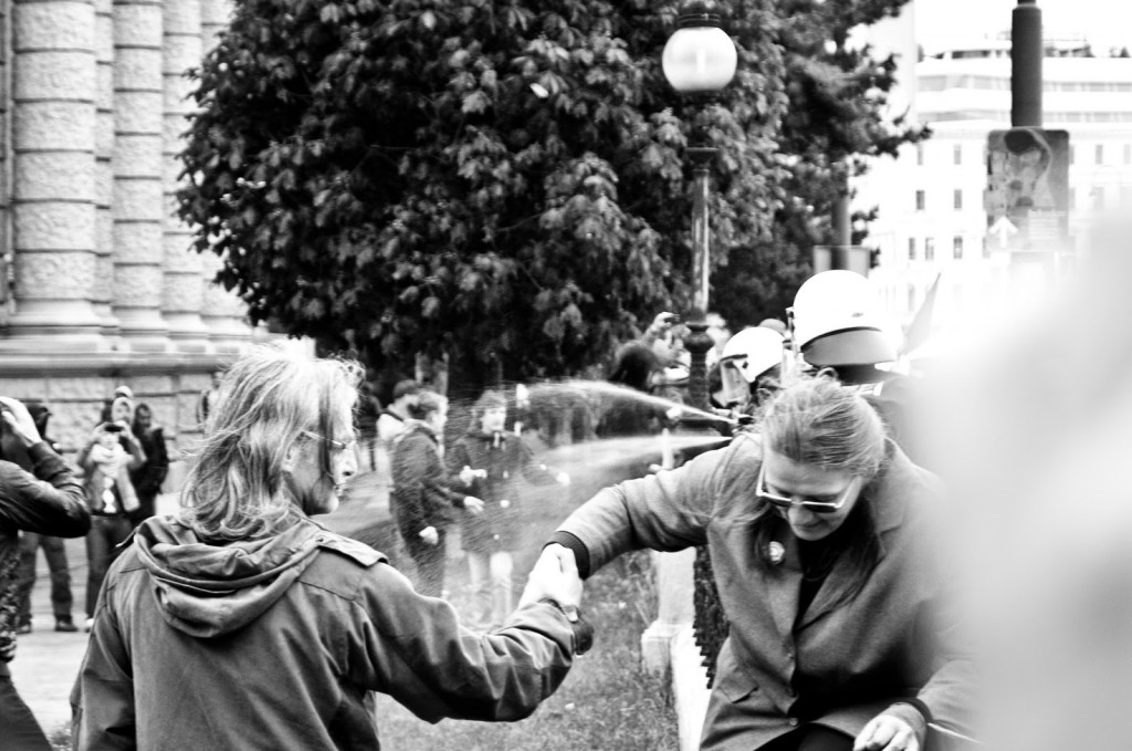 Vienna police pepperspray an anti-fascist protest in Vienna on 17 May 2014. Photo by cglanzl; CC-BY-NC 3.0
